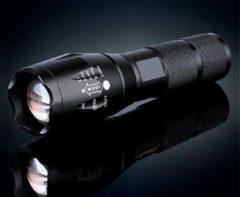 Zwarte FlinQ Militaire zaklamp - LED zaklamp - Inzoombaar - 2000 Lumen