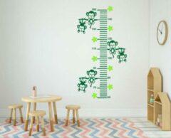 Rosami Decoratiestickers Sticker groeimeter aapjes aan tak groen 102 x 55 cm | Rosami