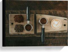 Beige KuijsFotoprint Canvas - Gemalen Koffiebonen en Koffie op een Plankje - 40x30cm Foto op Canvas Schilderij (Wanddecoratie op Canvas)