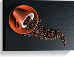 Oranje KuijsFotoprint Canvas - Koffiekop met omgevallen Koffiebonen - 40x30cm Foto op Canvas Schilderij (Wanddecoratie op Canvas)