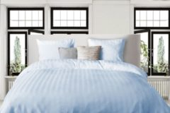 Lichtblauwe Elegance - Dekbedovertrek - 240x200/220 - Uni - Satijnstreep / Satijn Streep - Hotel Kwaliteit Satin Stripe - Artice Ice