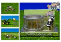 Kids Globe Voederring met koe - Speelfigurenset: schaal 1:32