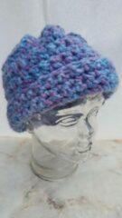 Handgemaakt Handgehaakte muts lila paars blauw 80% acryl 20% wol, lengte 18cm, breedte 22cm
