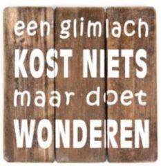 Naturelkleurige Hetfamiliehoekje.nl Tekstbord 20cm een glimlach - Naturel