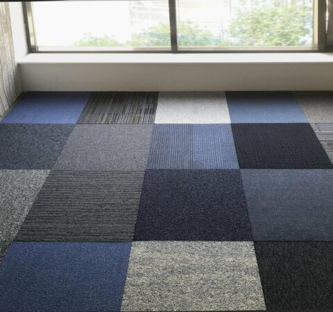 Afbeelding van Interface Shuffle It Shades of Blue Tapijttegels 50x50cm Blauw