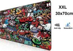 Beactiff Muismat Gaming XXL 70x30cm bureau onderlegger | Gaming Muismat | Mousepad | Pro Muismat XXL | Anti-slip | Desktop Mat | Computer Mat | Grafitti Art Edition uitvoering