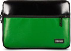 UNBEGUN MacBook Pro 16 inch sleeve met voorvak (gemaakt van gerecycled materiaal) - Zwart/groene laptop case voor nieuwe MacBook Pro 16 inch (2019/2020), Deze hoes is speciaal ontworpen voor de Apple MacBook en is handgemaakt in Nederland