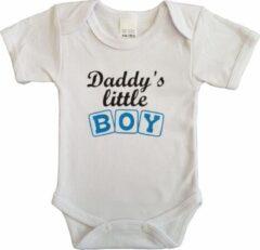"""Merkloos / Sans marque Witte romper met """"Daddy's little boy"""" - maat 68 - vader, vaderdag, babyshower, zwanger, cadeautje, kraamcadeau, grappig, geschenk, baby, tekst, bodieke"""