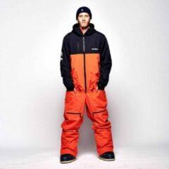 Oranje Oneskee Mark V Orange/black - XL - Skipak mannen | waterkolom 20,000 | Skipak | Snowboardpak | Onesie | Ski overall | Snowsuit | Wintersportpak | Waterdicht skipak | Freeride skiuit | Off piste wintersportkleding