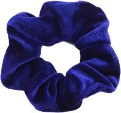 Scrunchie 1 stuks Velvet Extra Vol en Luxe Blauw - haarwokkel haarelastiek - scrunchies kraagjeskopen.nl