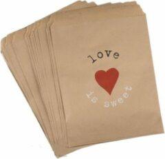 Merkloos / Sans marque Traktatiezakjes Love is Sweet - Uitdeelzakjes - Verjaardagzakjes - Feestzakjes - Snoepzakjes - Kraft Papier - 13x18 cm | Love is sweet - Rood hart | Valentijn - Geboorte - Verjaardag - Bruiloft - Feest - Babyshower | Traktatie - Nat