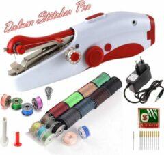 Deluxe Stitcher Pro - PREMIUM Handnaaimachine met Adapter + 20 spoelen met garen + 11 Reserve naalden en accessoires - Mini naaimachine - Compact - Draadloos - Draagbare Reis Hand Naaimachine - Elektrisch of op Batterijen