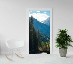 Blauwe Kimano Deurposter - luxe trendy deursticker - Bergen en Dennenbos - 93x201,5 cm (ook andere maten leverbaar)