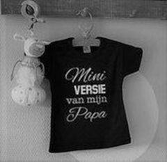 Zwarte Merkloos / Sans marque Tekst eerste vaderdag liefste papa cadeau Baby jongen mini Tekst eerste vaderdag liefste papa cadeau mini versie Baby T-shirt Maat 56