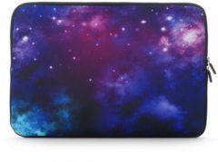 Misstella Laptop Sleeve met Galaxy print tot 15.4 inch – 37 x 26 x 1,5 cm - Blauw/Paars/Roze