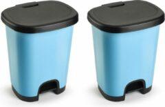Forte Plastics Set van 2x stuks kunststof afvalemmers/vuilnisemmers/pedaalemmers in het lichtblauw/zwart van 27 liter met deksel en pedaal. 38 x 32 x 45 cm.