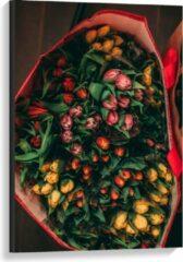 Rode KuijsFotoprint Canvas - Tas gevuld met Tulpen - 60x90cm Foto op Canvas Schilderij (Wanddecoratie op Canvas)