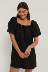 Zwarte MANGO Emmi mini jurk met pofmouw