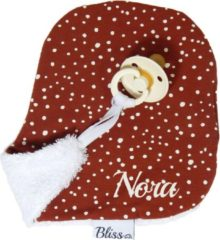 Rode Speendoekje - Knuffeldoekje met naam - gepersonaliseerd cadeau - Wallabiezzz - Roest Stip