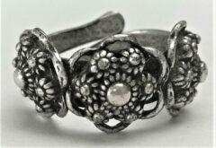 Zeeuws meisje Ring drie Zeeuwse knoopjes, zwaar verzilverd, een maat verstelbaar
