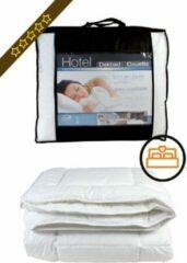Witte Boxspring.nl - Uw Bed Dekbed Hotel Professional 240 x 200cm | vochtregulerend | anti allergisch | ventilerend | perkal katoen | wasbaar
