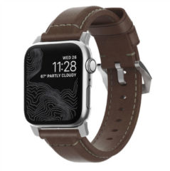 Nomad Traditioneel Apple Watch Bandje 42mm / 44mm - Bruin met zilveren gesp