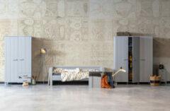 Grijze WOOOD Dennis bedbank met logeerbed betongrijs grenen Betongrijs excl. lade