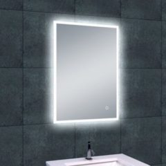 Douche Concurrent Badkamerspiegel Quatro 50x70cm Geintegreerde LED Verlichting Verwarming Anti Condens Touch Lichtschakelaar Dimbaar
