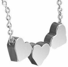 Zoëies® ketting met drie zilverkleurige harten