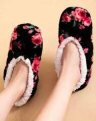 Zwarte Sorprese cosy – pantoffels dames – bloemprint – maat 36-38 – sloffen dames