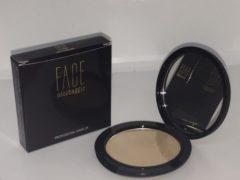 Bruine Face Nico Baggio BB Powder (kleur 104 medium)