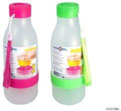 Massamarkt Drinkfles met juicer Roze of groen Drinkflessen afsluitbaar
