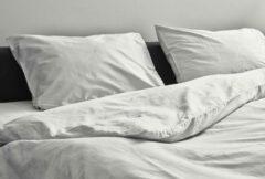 Licht-grijze Kepri Dekbedovertrek - Eenpersoons - Satijn Katoen - Inox Grey - Duurzaam - 500TC - 140 x 220 cm