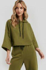 Groene NA-KD Half Sleeve Cropped Hoodie - Green