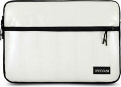 UNBEGUN MacBook Pro 16 inch sleeve met voorvak (gemaakt van gerecycled materiaal) - Witte laptop case voor nieuwe MacBook Pro 16 inch (2019/2020), Deze hoes is speciaal ontworpen voor de Apple MacBook en is handgemaakt in Nederland