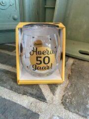 Gouden Creaties van hier Wijn - water glas / Hoera 50 jaar / Abraham / Sarah / wijnglas / waterglas / leuke tekst / moederdag / vaderdag / verjaardag / cadeau