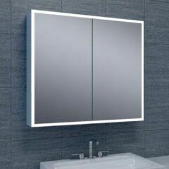 Douche Concurrent Spiegelkast Quatro 80x70x13cm Aluminium Geintegreerde LED Verlichting Sensor Lichtschakelaar Stopcontact Glazen Planken
