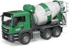 BRUDER® speelgoed-vrachtwagen, MAN TGS cementwagen, 1:16, groen