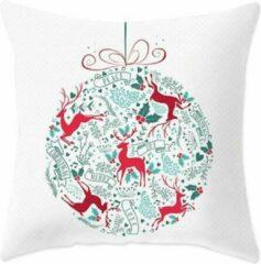 Rode MFFL Kussenhoes Kerst Wit / Groen met hertjes en kerstwens in Kerstbalvorm (500177)