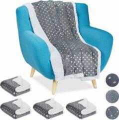 Relaxdays 5 x plaid 150x200 - deken - woonkamer - woondeken - op bank - grijs – hartjes