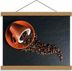 Oranje KuijsFotoprint Schoolplaat – Koffiekop met omgevallen Koffiebonen - 40x30cm Foto op Textielposter (Wanddecoratie op Schoolplaat)