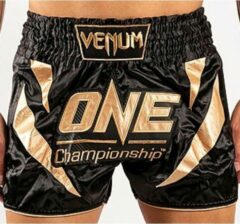 Venum x ONE FC Muay Thai Shorts Zwart Goud Maat Venum Kickboks Muay Thai Shorts: XS - Kids 7/8 Jaar | Jeans maat 26