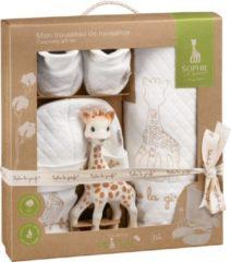 Beige Sophie de giraf So Pure geboorteset inclusief bijtspeeltje mutsje sokjes en dekentje