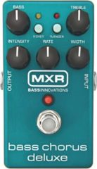 Blauwe MXR M83 Bass Chorus Deluxe bas reverb/chorus/vibrato/tremolo pedaal