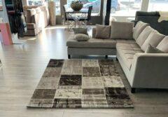 Flycarpets - Pola Modern Vloerkleed - Patchwork Design - Bruin / Beige - 80x150 cm