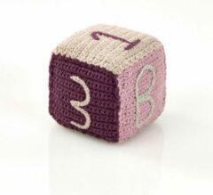 Pebble organic rammelaar - Speelblok roze