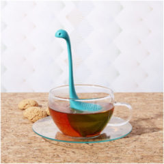 Ototo Design Baby Nessie Turquoise thee infuser