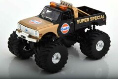 "Groene Chevrolet K-10 ""Gulf Super Special"" Monstertruck 1971 Zwart / Goud 1-43 Greenlight Collectibles"
