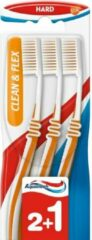 3x Aquafresh Tandenborstel Clean&Flex Hard 3 stuks