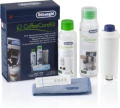 Grijze DeLonghi De Coffee Care Kit is een complete reinigings- en onderhoudskit voor optimaal en langdurig gebruik van De'Longhi-koffiemachines: Waterfilter, EcoDecalk 200 ml, Eco MultiClean 250 ml, doekje, waterhardheidstest